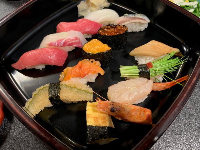 画像: 1日目の夕食は築地でにぎり寿司