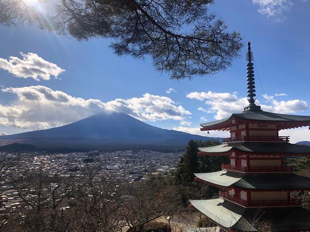 画像: 新倉山浅間神社から見た富士山(C)kana