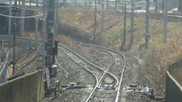 画像: 馬橋支線への続く線路(右側)(撮影弊社社員)