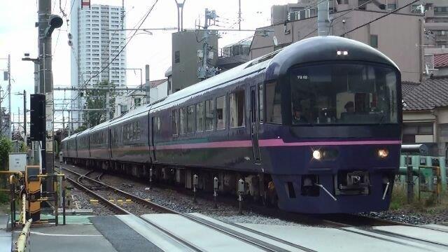 画像: 常磐貨物線を通るお座敷列車「華」(弊社社員撮影)