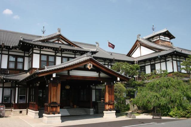 画像: <京の旅>『建築史家・川島智生教授といく 旧奈良監獄見学と奈良ホテルで優雅な午餐』 奈良赤レンガフェスティバル2021【近鉄奈良駅集合】|クラブツーリズム