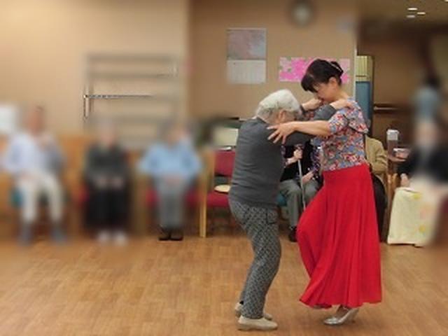 画像1: 【まごころ倶楽部阿佐ヶ谷2018】社交ダンスで笑顔♪