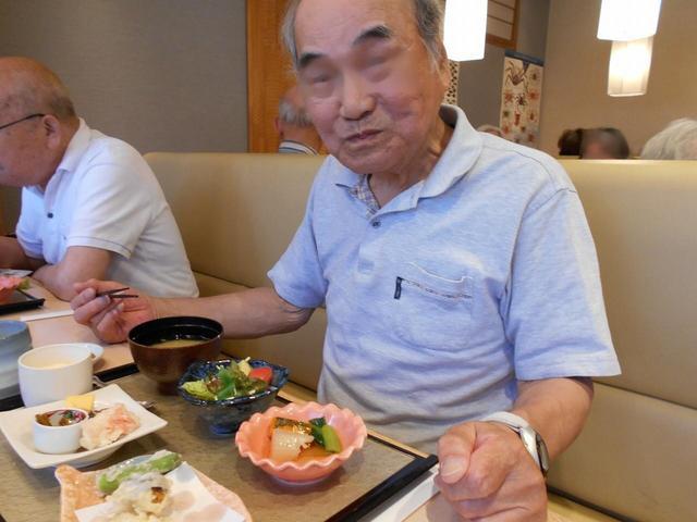画像1: メインのお寿司です!!皆さん5貫ペロッと召し上がっていました。 お腹もいっぱいになって、とても美味しかったですね。