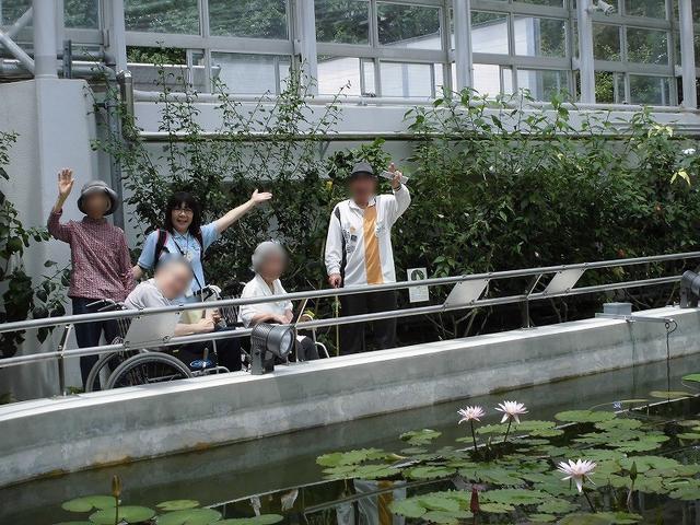 画像: 今回の目的地!蓮の花と共に、ハイチーズ☆