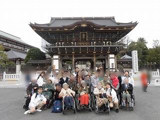 画像: 成田山新勝寺 ご参加者のなかには「40年ぶりに来られて感激!」とおっしゃってくださったメンバーさんも。