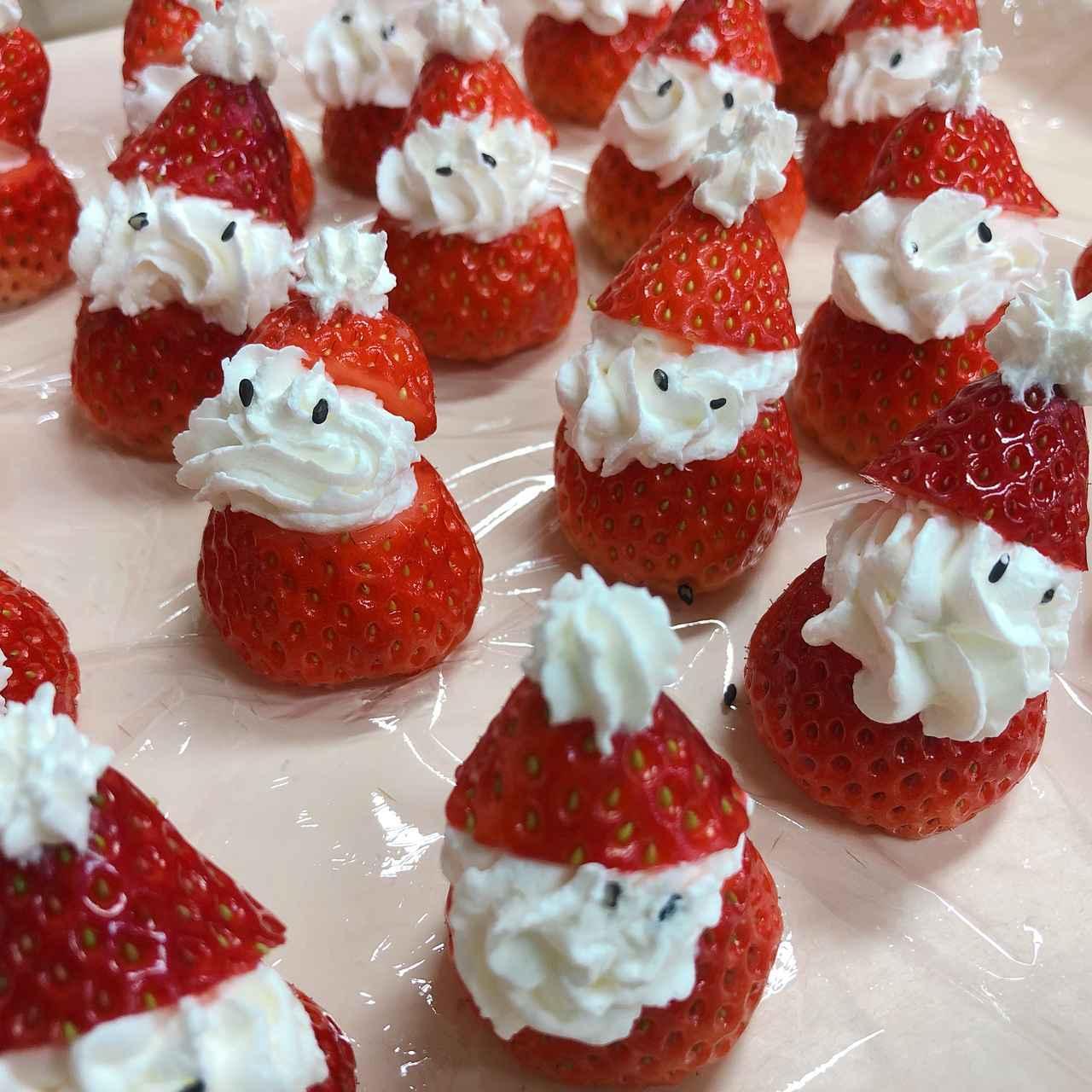 画像: かわいいイチゴのサンタたち・・・