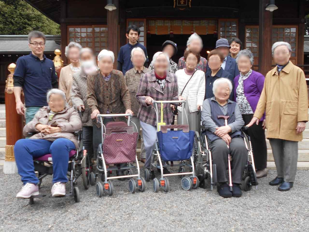 画像: 午後は近隣の神社へ。 これまでの時間に感謝し、新しい年が良い年になるよう祈願しました。