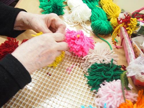 画像4: 手工芸 毛糸のボンボン