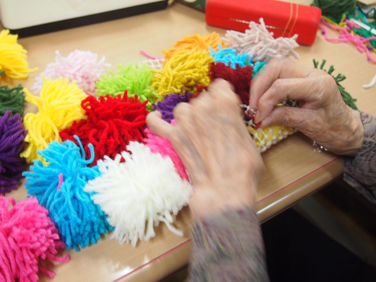 画像5: 手工芸 毛糸のボンボン