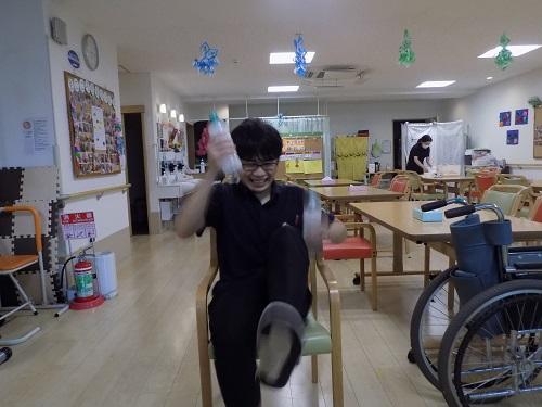画像3: びしゃびしゃドタバタランニング!ペットボトル体操のご紹介