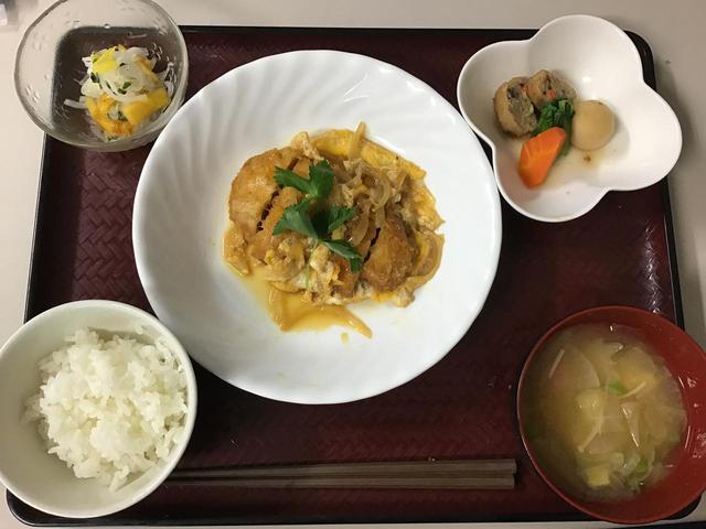 画像4: 三択クイズと、食事の紹介