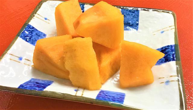 画像1: おやつは『富有柿』