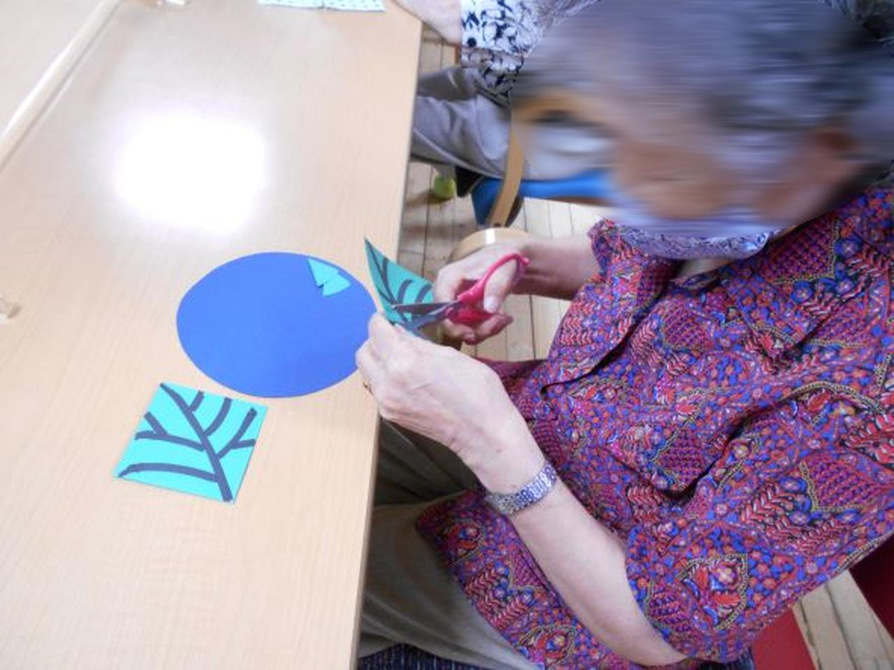 画像1: 季節の工作「紙工作・秋桜」