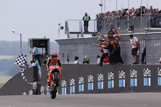 画像: 【モトGP2017 ドイツGP】マルケスが優勝、総合首位に。ペドロサは3位表彰台。