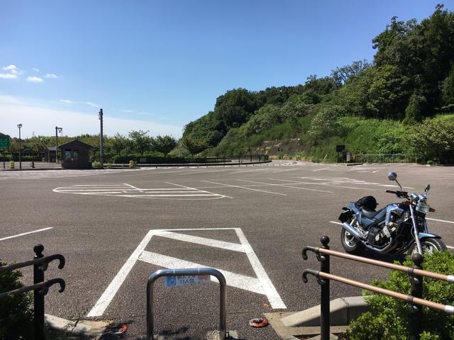 画像: 東海環状自動車道からつながる駐車場