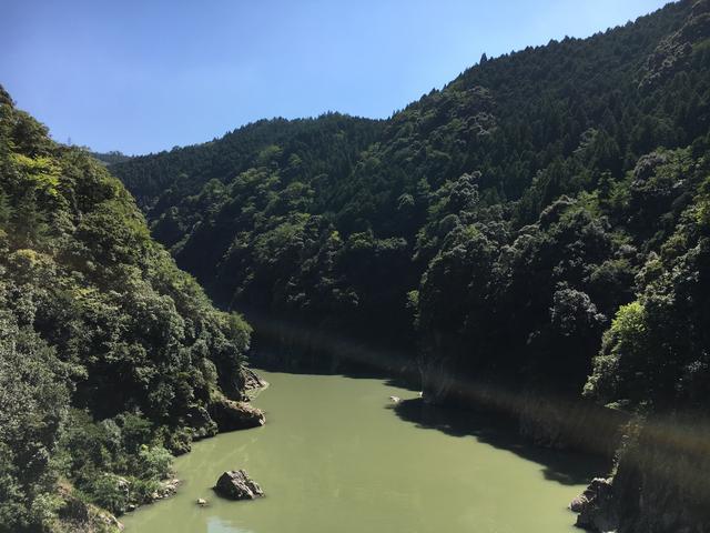 画像: 蘇水峡橋の上から見る景色