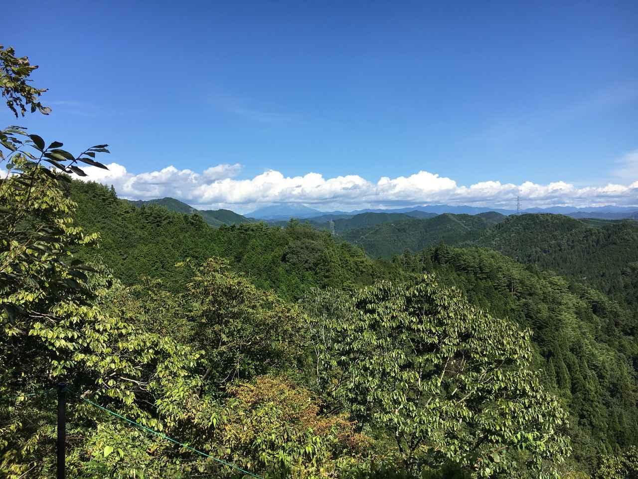 画像: 遠く御嶽山を望む