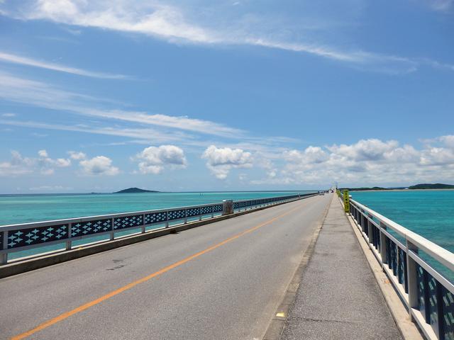 画像: 宮古島の最北端に架かる『池間大橋』で絶景すぎるドライブ-沖縄旅行激安予約サイトの沖縄旅予約ドットコム