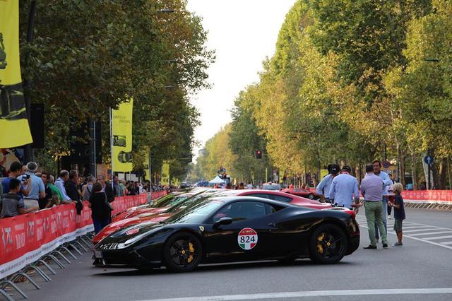 画像3: 1947年生まれのフェラーリ社は今年で丁度70歳! 70周年ということで全世界各地でイヴェントが開催されている。