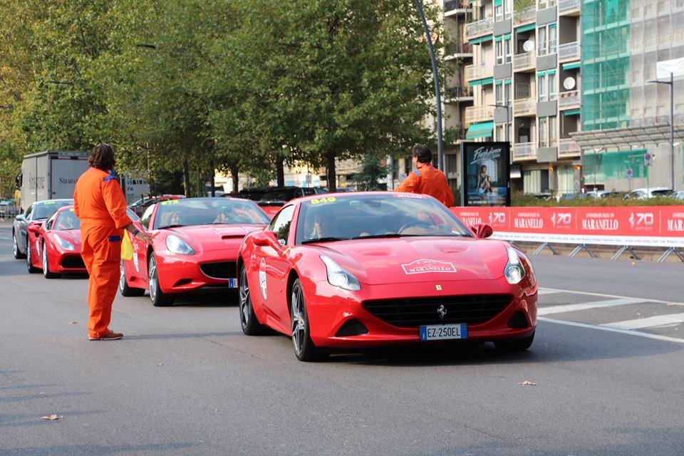 画像1: 500台のフェラーリ in Milano