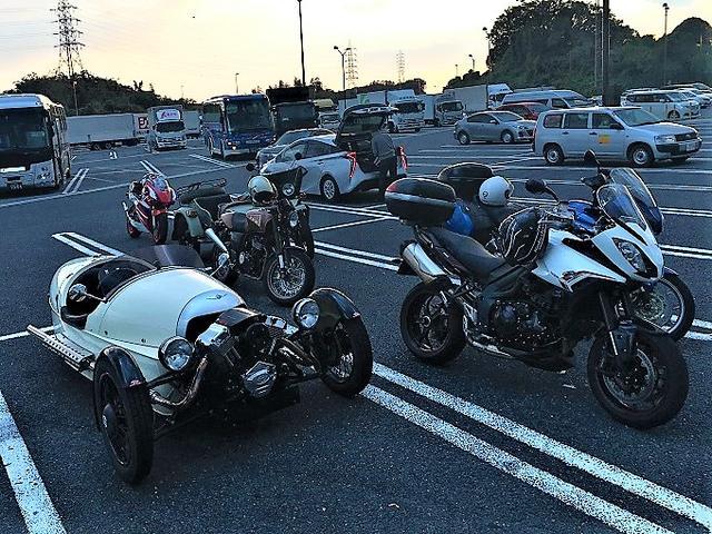 画像: 帰りはやっぱり渋滞に見舞われ、疲れたので御在所で赤福食べて体力回復! 気の合う仲間とのツーリングはいつ行っても面白いですね!