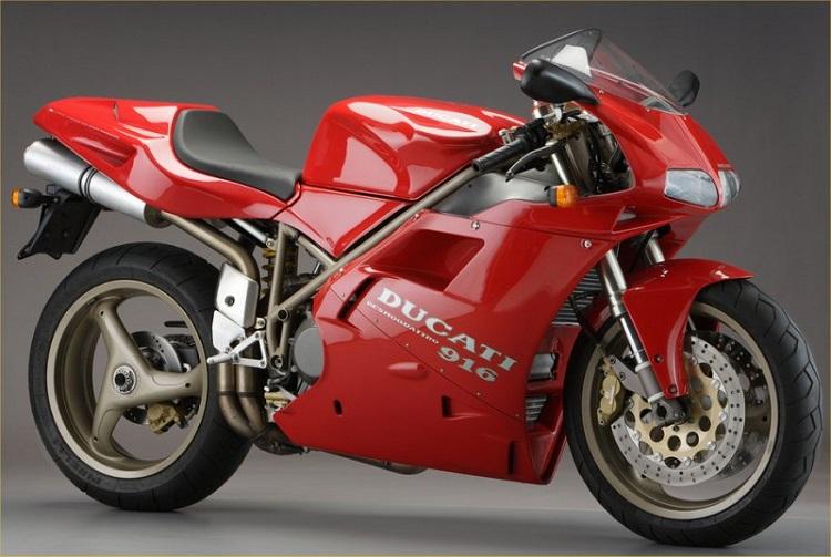 画像: 「DUCATI 916」:Photo from https://motorbikewriter.com/top-motorcycle-designer-passes-away/
