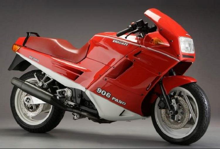 画像: 「DUCATI 906 PASO」:Photo from http://www.motorcyclespecs.co.za/model/ducati/ducati_906_paso.htm