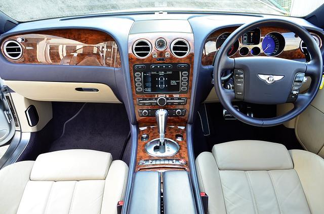 画像1: Bentley…の響きを聞き流せないクルマ好きに捧ぐ