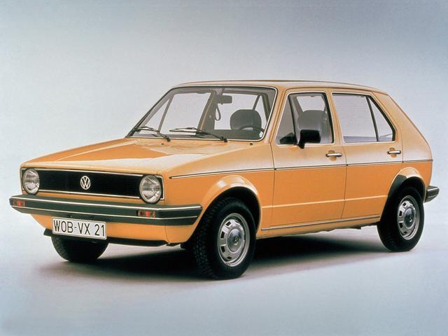 画像: 【初代ゴルフ】 1974-1983 小型乗用車のスタンダードを築き上げた名車。 www.favcars.com