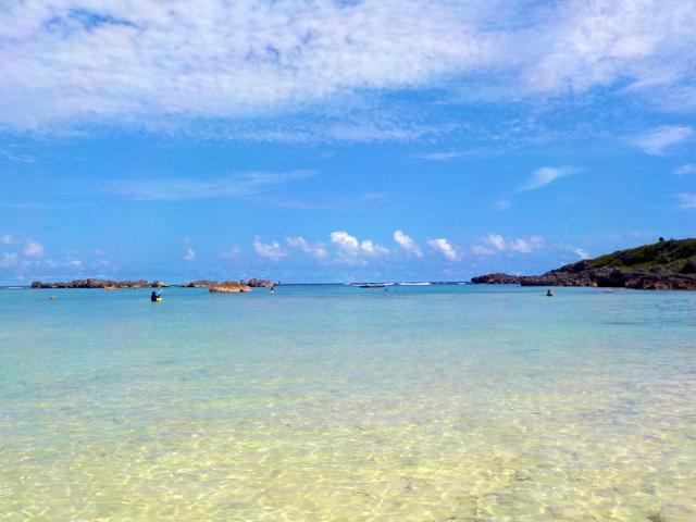 画像: 大人のビーチリゾートを楽しむ『シギラリゾートビーチ』 – 沖縄旅行・激安ツアー沖縄旅予約ドットコム