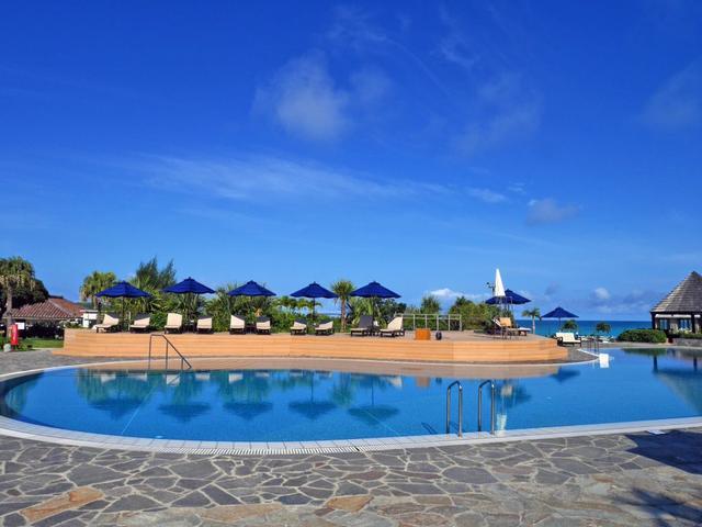 画像: 宮古島東急ホテル&リゾーツで楽しむ極上プールリゾート – 沖縄旅行・激安ツアー沖縄旅予約ドットコム