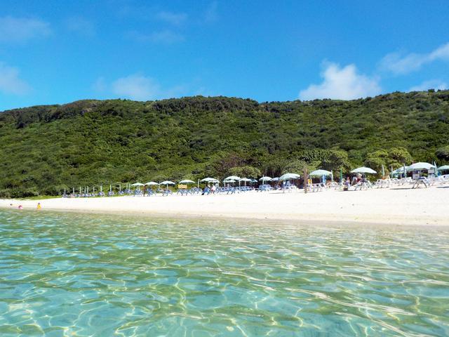 画像: キレイだけじゃない!宮古島でオシャレなビーチNo.1は新城海岸 – 沖縄旅行・激安ツアー沖縄旅予約ドットコム