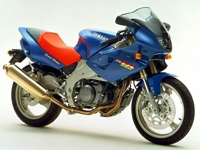 画像: Photp from http://www.motorcyclespecs.co.za/model/yamaha/yamaha_szr660%2095.htm