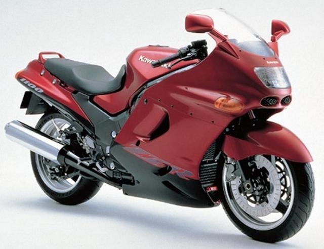 画像: Photo from http://www.mr-bike.jp/feature/zzr/1100-2.html