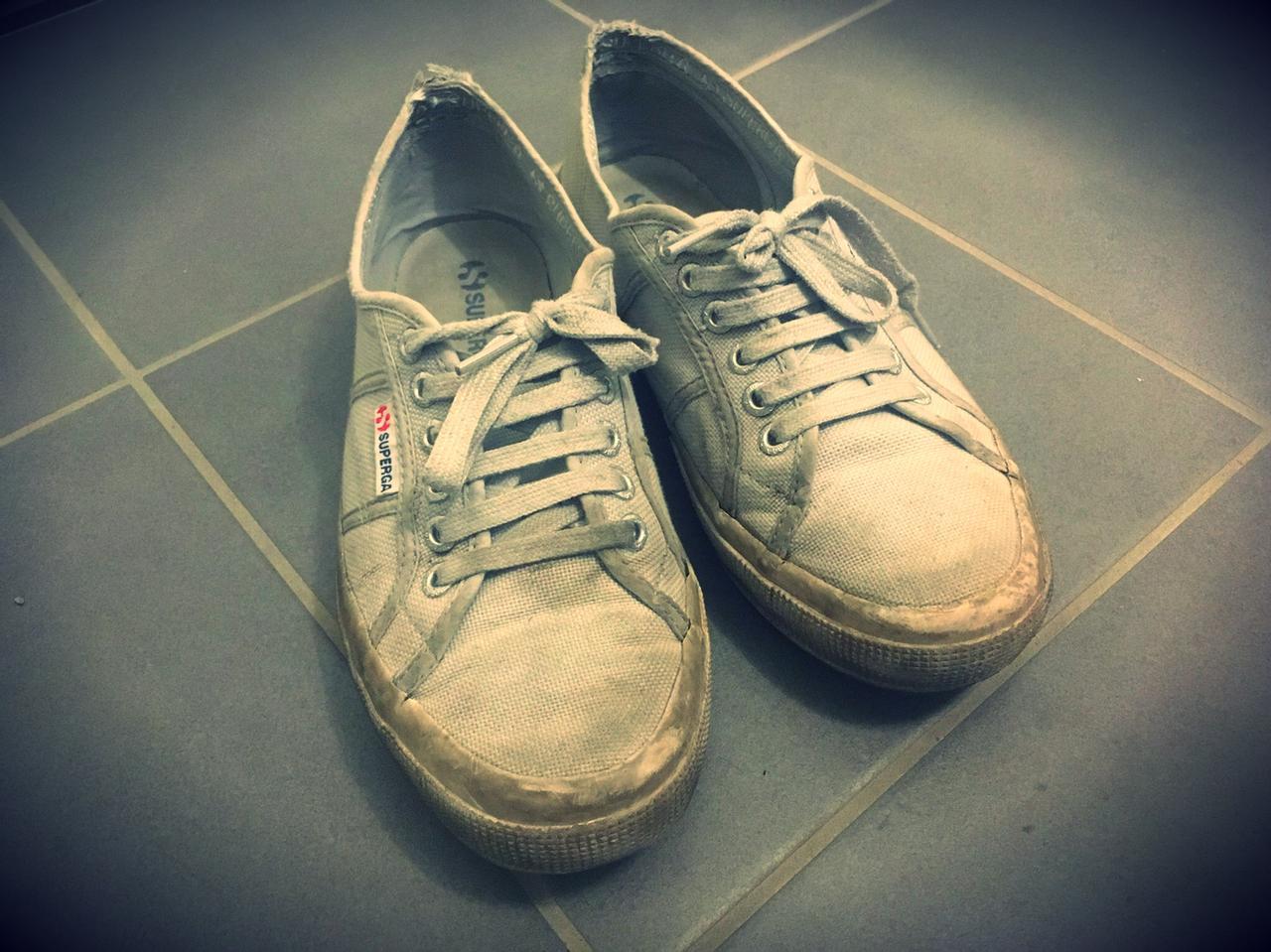 画像: 私の履き古しているトリノ生まれのスニーカーSPERGAです。