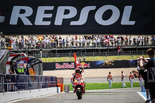 画像: 【モトGP2018 スペインGP】マルケスが優勝し、ランキング・トップに立つ