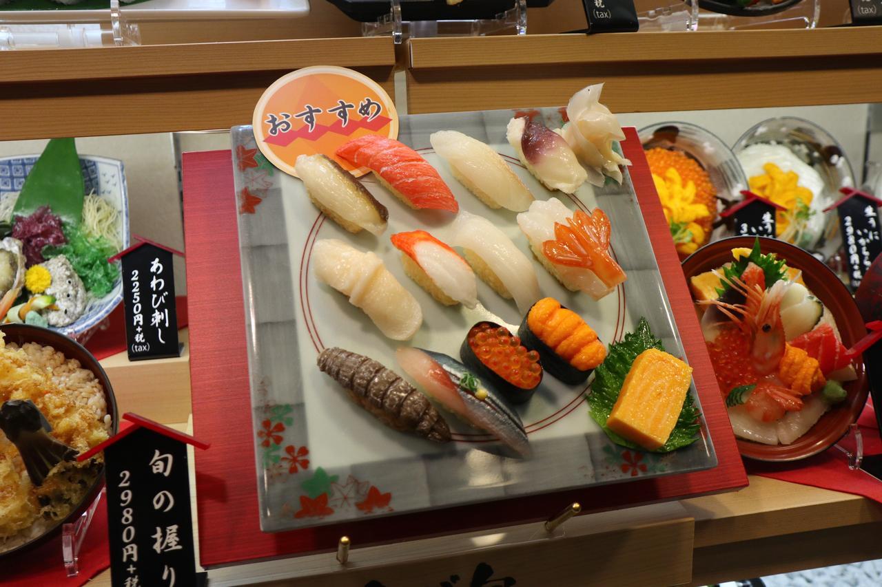 画像4: 落ち着いた店内でしっとりお寿司タイム