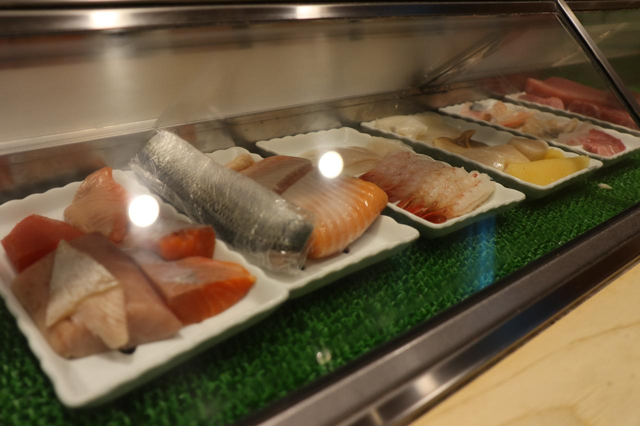 画像3: 落ち着いた店内でしっとりお寿司タイム