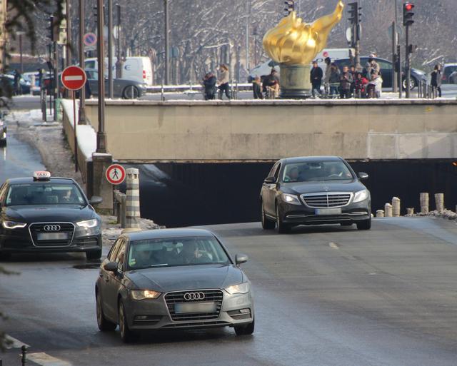 画像: ドイツ車の牙城ともいえるカテゴリーを切り崩せるか? パリ「自由の炎」付近で。