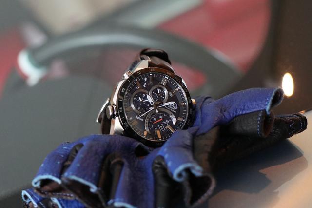 画像4: デザインにも性能にも拘りたい輸入車オーナーへ。 クルマ好きが上がる最新腕時計をモータージャーナリスト嶋田智之さんが徹底インプレッション