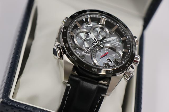 画像12: デザインにも性能にも拘りたい輸入車オーナーへ。 クルマ好きが上がる最新腕時計をモータージャーナリスト嶋田智之さんが徹底インプレッション