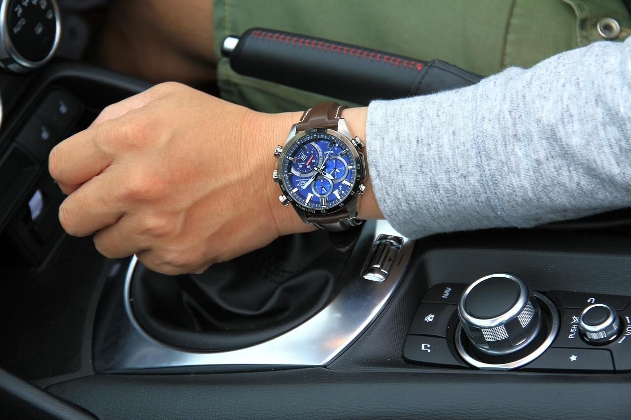 画像3: デザインにも性能にも拘りたい輸入車オーナーへ。 クルマ好きが上がる最新腕時計をモータージャーナリスト嶋田智之さんが徹底インプレッション