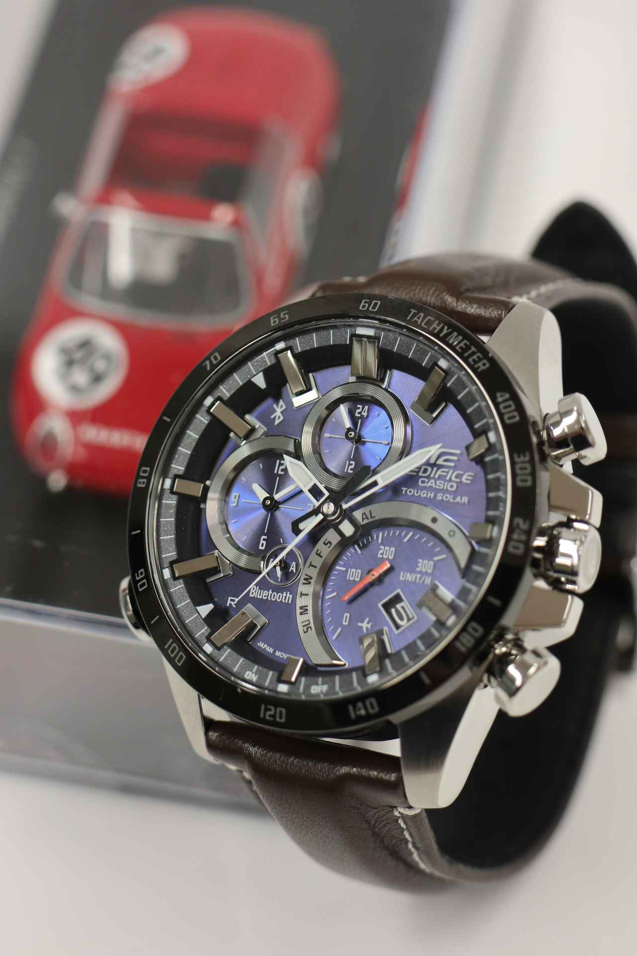 画像5: デザインにも性能にも拘りたい輸入車オーナーへ。 クルマ好きが上がる最新腕時計をモータージャーナリスト嶋田智之さんが徹底インプレッション