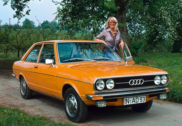 画像: 【アウディ80(B1)】1972〜1978 ジウジアーロが手がけたシンプルなデザインが好ましい傑作サルーン。1972年のヨーロッパ・カー・オブ・ザ・イヤーを受賞。アウディ80は4世代目まで存在し、現代の基幹車種であるアウディA4(1995〜)となった。 www.favcars.com