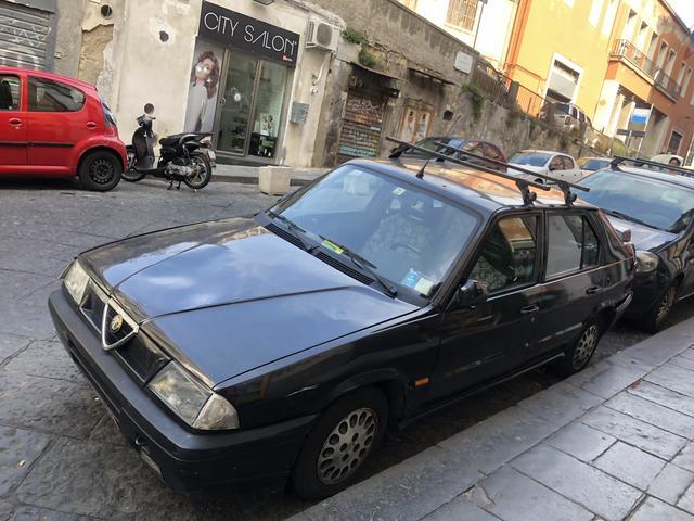 画像: 「アルファ・ロメオ33」後期型も現役。車齢は最低でも23年ということになる。