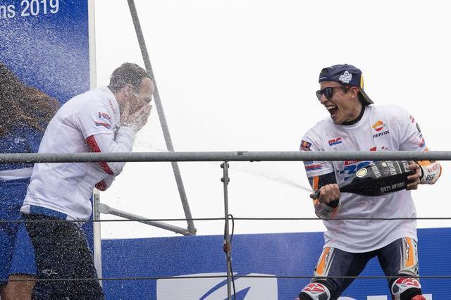 画像: 【モトGP2019】アルベルト・プーチ「私にとってマルクと一緒に表彰台に上がることは特別なことだった。」