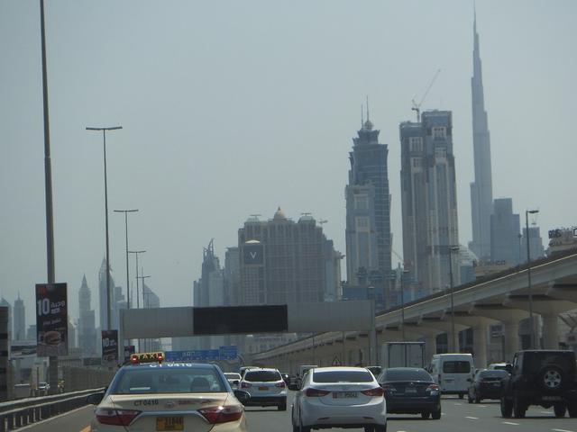 画像1: プジョー3008で、ドバイを基点にUAE(アラブ首長国連邦)の休日を楽しむ。