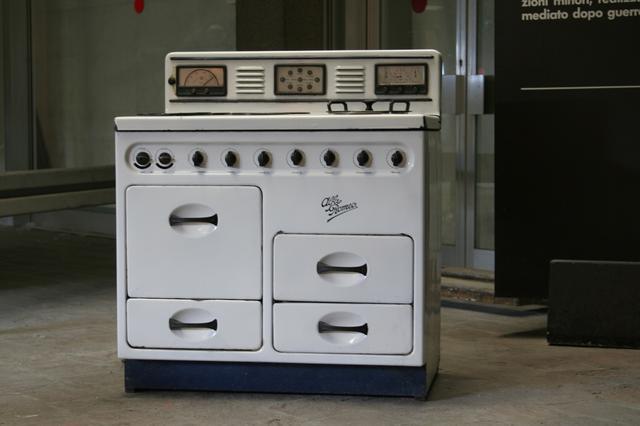 画像: イタリア・ミラノ郊外アレーゼのアルファ・ロメオ博物館が所蔵する同社製オーブン。