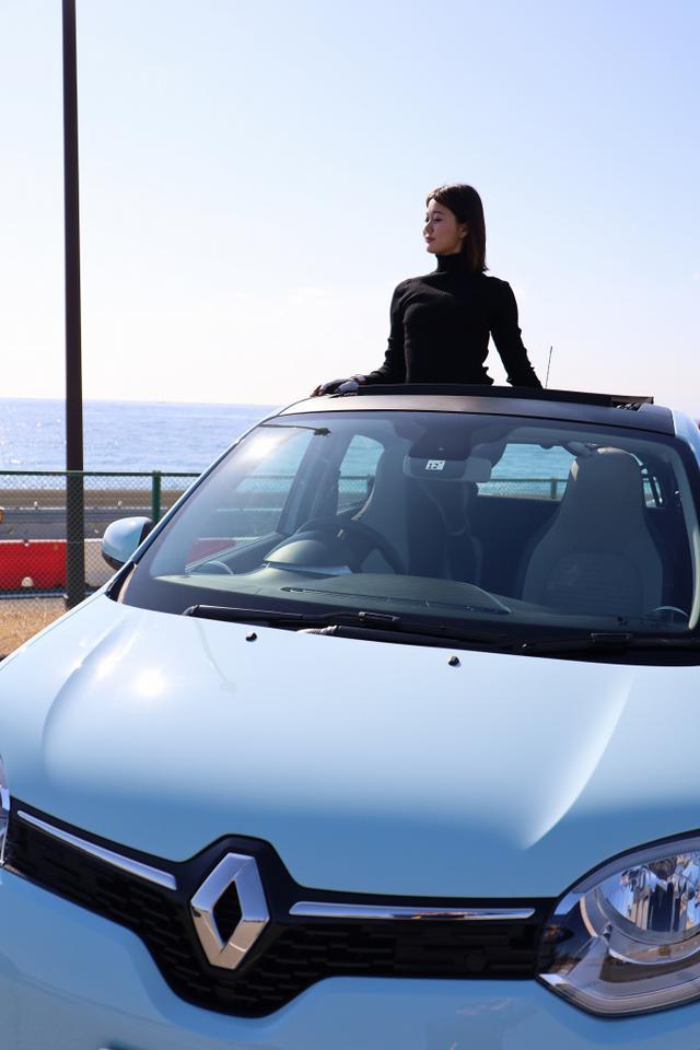 画像12: オープンカー好き女子がトゥインゴのキャンバストップに乗ってみた! 【JAIA 輸入車試乗会】