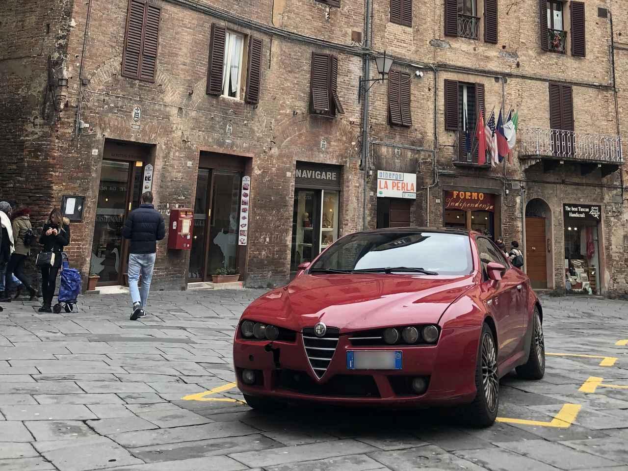 画像: アルファ・ロメオ・ブレラ(本文中の車両とは関係ありません)。2018年シエナにて撮影。